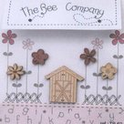 Garden-Barn-&-Flowers-Buttons-Pink